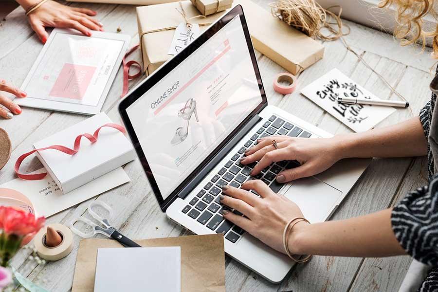 обязанности визуализатора бренда